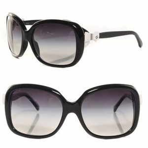 Chanel CC Bow sunglasses in black